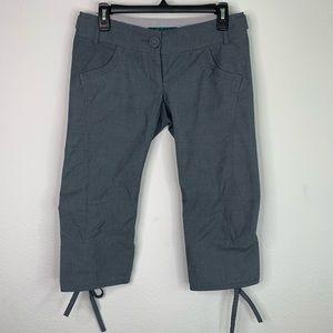 Cartonnier Gray Striped Capri Pants Size 2